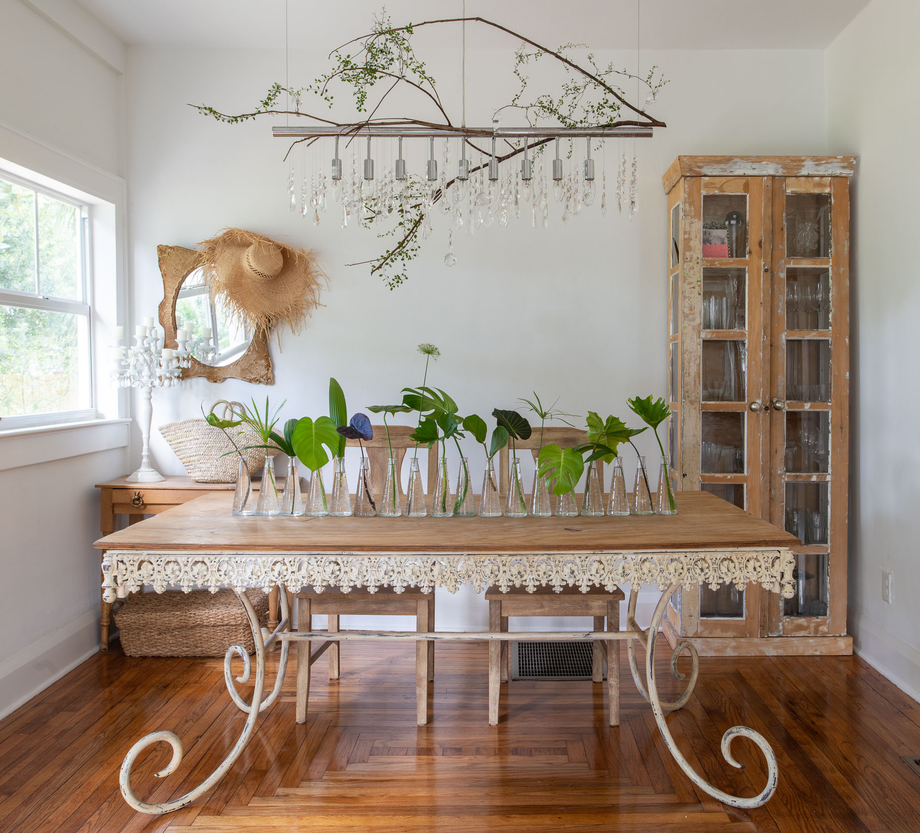 Farmhouse chic Dining area